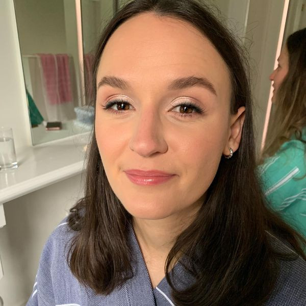 Natural bridesmaid makeup - keeping it super classic and smoking the eyeliner for a bit of glamour. - Make Me Bridal Artist: Joanne Lucas Makeup Artistry. Photography by: Me - Iphone camera :). #naturalmakeup #bridesmaidmakeup #naturalweddingmakeup #classic #classicmakeup