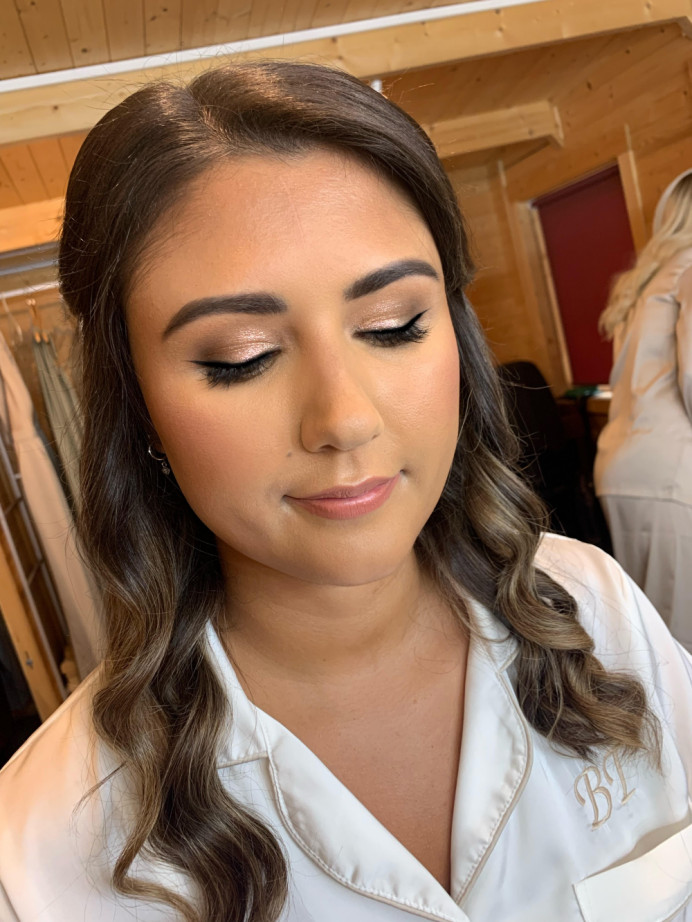 A better photo of Bryonys eyes. Products used: Tom ford Cream Shadow in Sphinx (I LOVE THIS) MAC Blacktrack Gel Liner  Nikki x Sweed Individual lashes Anastasia Beverly Hills - Powder Brow in Ebony - Make Me Bridal Artist: Joanne Lucas Makeup Artistry. Photography by: Me - Iphone. #glamorous #bridalmakeup