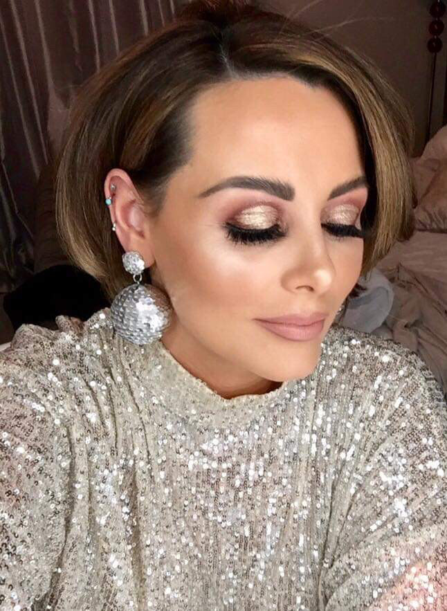 - Make Me Bridal Artist: Eloise Amy - Pro Makeup Artist. #glamorous #goldeyeshadow #brunette #glam #nudelip #beautiful #glambride #bronzeeyeshadow