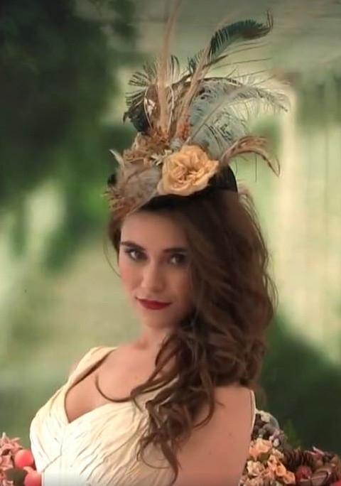Absolutely beautiful headpiece don't you think? - Make Me Bridal Artist: Viktoria Kohl Makeup and Hair. #bohemian #vintage