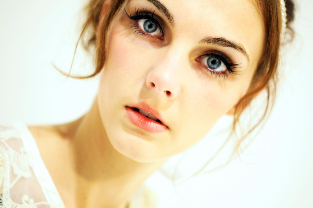 - Make Me Bridal Artist: MK Hair & Makeup .
