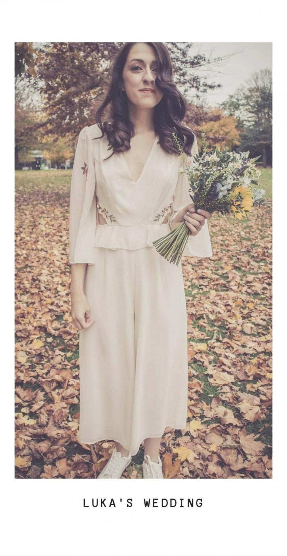 - Make Me Bridal Artist: Saraaspinallmakeup.