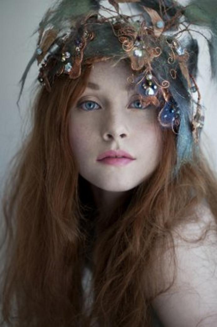 A boho bride photo-shoot. - Make Me Bridal Artist: Brush Technik. Photography by: Rebecca Knowles. #bohobride #floralheaddress #oxfordwedding #bohowedding #oxfordweddingmakeupartist #oxfordweddinghairandmakeup