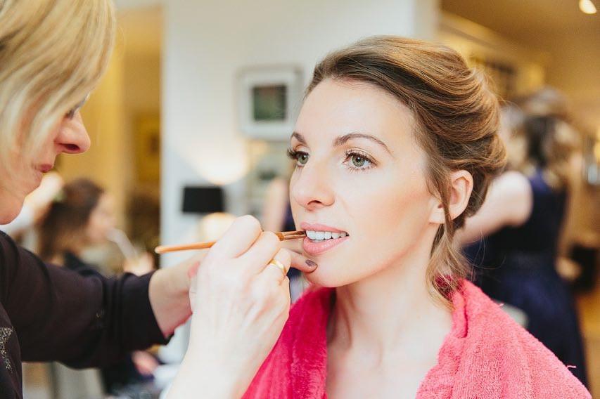 Bridal prep with real bride, natural makeup - Make Me Bridal Artist: Makeup Angel. Photography by: Trash Coonan. #classic #naturalmakeup #weddingmorning #gettingready #bridalmakeup #meatwork #prep #soft #elegant #freshfaced