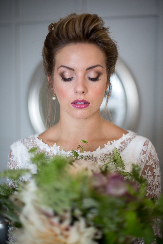 Glamorous bridal makeup with pink lip - Make Me Bridal Artist: Makeup Angel. Photography by: John Knight. #classic #glamorous #blonde #bridalmakeup #bridalhair #updo #elegant #lashes #hairup #perfectmakeup #bridalmakeup #bridalmakeupartist
