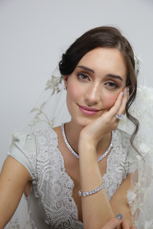 - Make Me Bridal Artist: Cassidy Bonsink HMUA. #classic #glamorous