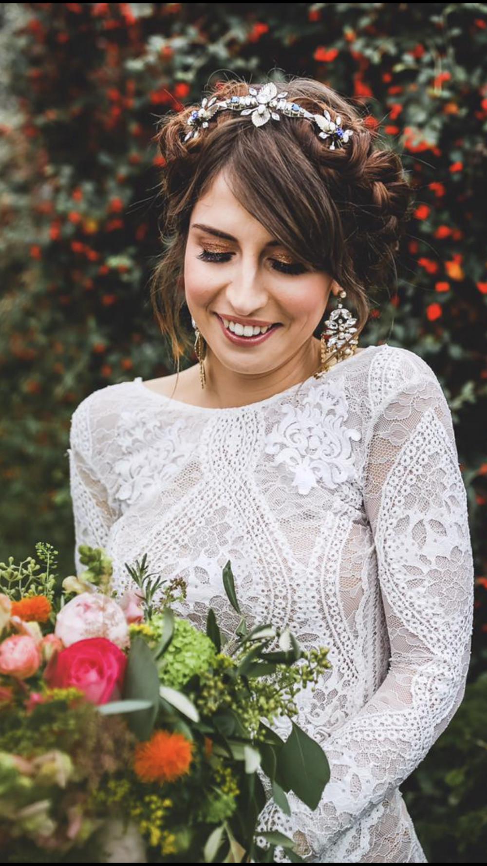- Make Me Bridal Artist: Kelli Waldock Make Up Artist. #glamorous #boho #bridalmakeup #airbrushedmakeup #lashes #makeup #bronzedeyes