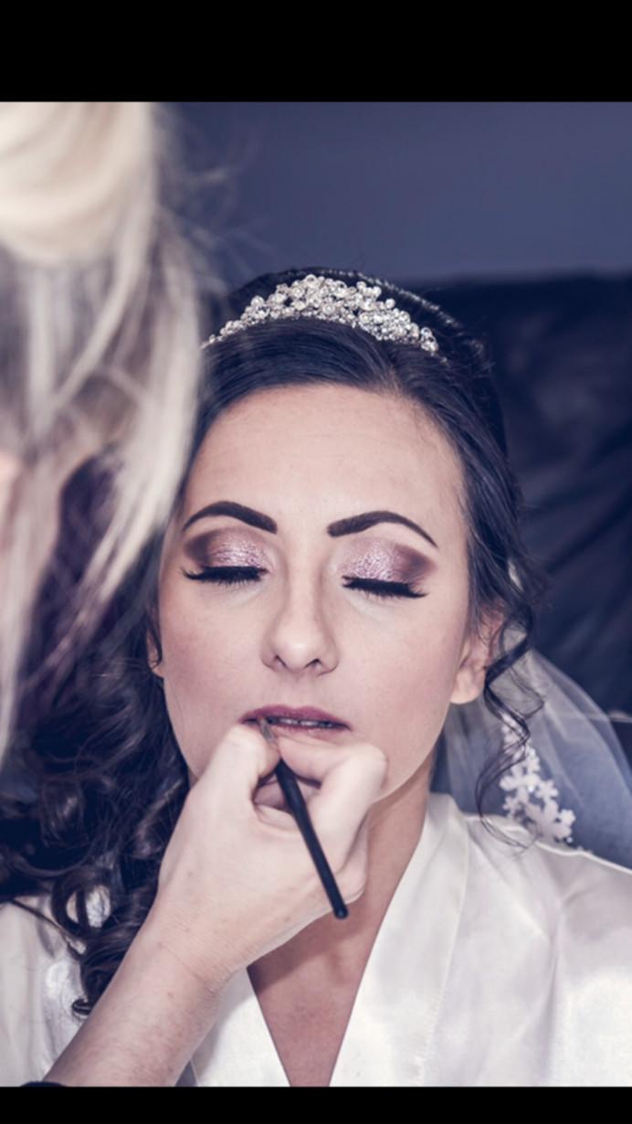 - Make Me Bridal Artist: Kelli Waldock Make Up Artist. Photography by: Tony Gameiro. #glamorous #weddingmorning #bridalmakeup #airbrushedmakeup #bridalprep #falselashes #glittereyes