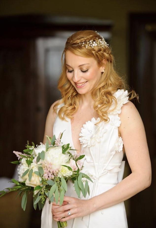 A Bride should be two things ,Classy & Fabulous! Paola's wedding day - Make Me Bridal Artist: Eleni Liatsou Make up. #weddingmorning #bridalmakeup #weddingreading2019 #glowingskin #classybride #romanticstyle #smokeyeyes