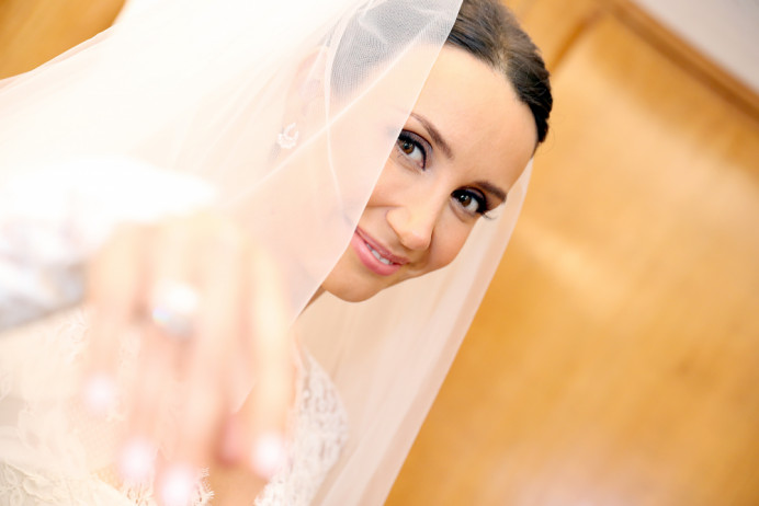 My Make up services specialise in bringing out the Beauty you were born with in a smooth and elegant way while adding a sudden spark of confidence! Bridal makeup in London 2019 - Make Me Bridal Artist: Eleni Liatsou Make up. #bridalmakeup #weddingmakeup #weddinglondon #naturalweddingmakeup #classicmakeup #naturalelegance #naturalskin