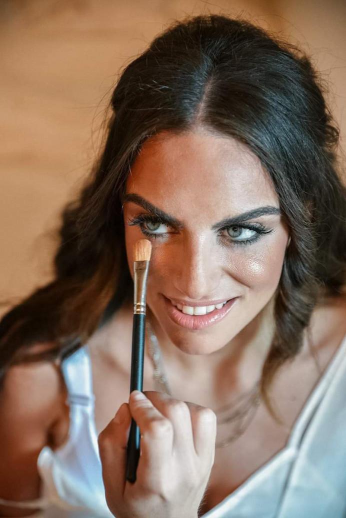 Greek wedding in Tinos! Dimitra's big day - Make Me Bridal Artist: Eleni Liatsou Make up. #bridalmakeup #greekwedding #weddingmakeup #tinoswedding2019