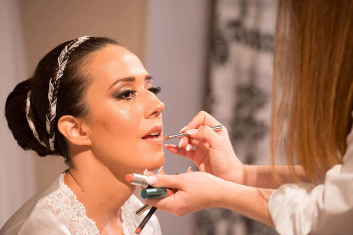 Theoni's wedding day in Athens - Make Me Bridal Artist: Eleni Liatsou Make up. #weddingmorning #bridalmakeup #bridalmakeupartist #weddingmakeup #weddingday