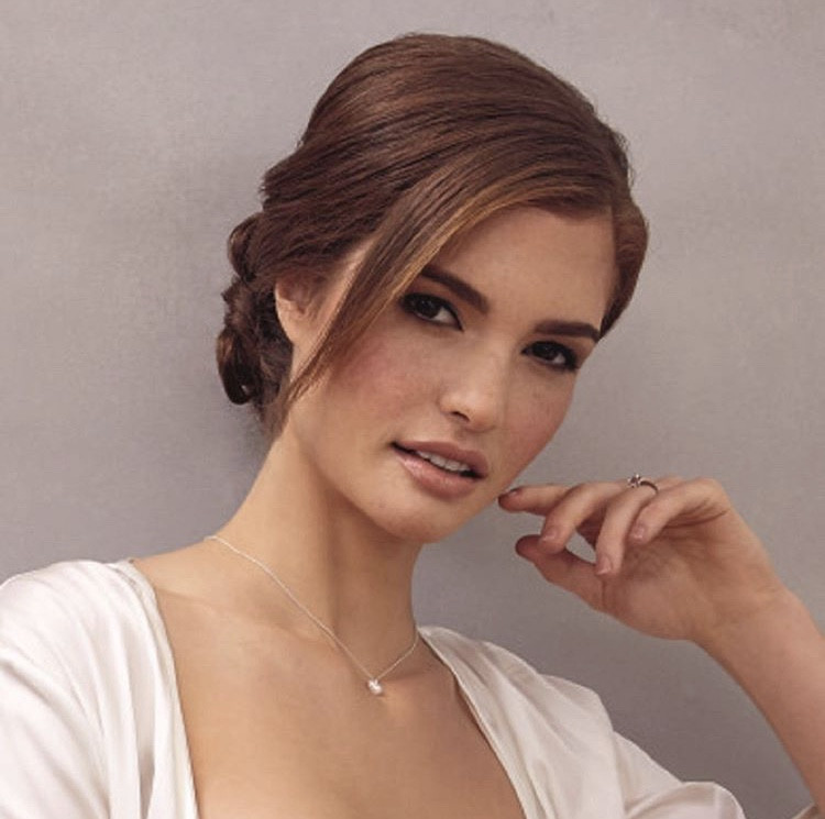 Loved creating this Bridal look for the Bridal catalogue of Debenhams on the Lovely Mariangela Bonanni ! - Make Me Bridal Artist: Eleni Liatsou Make up. #flawless #bride #glamourous #eyeliner #bridalmakeup #flawlessbride #freckles #pinklipstick #weddingmakeup #vintagemakeup #classicmakeup #bridalmua #bridallook #naturalskin #londonmua #eleniliatsoumakeupartist #nudelips #bridalcatalogue #debenhamsbridal #debenhams #wingedliner