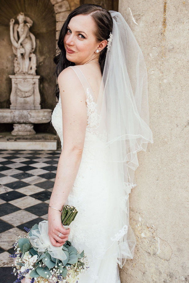 - Make Me Bridal Artist: Emily Joanna.