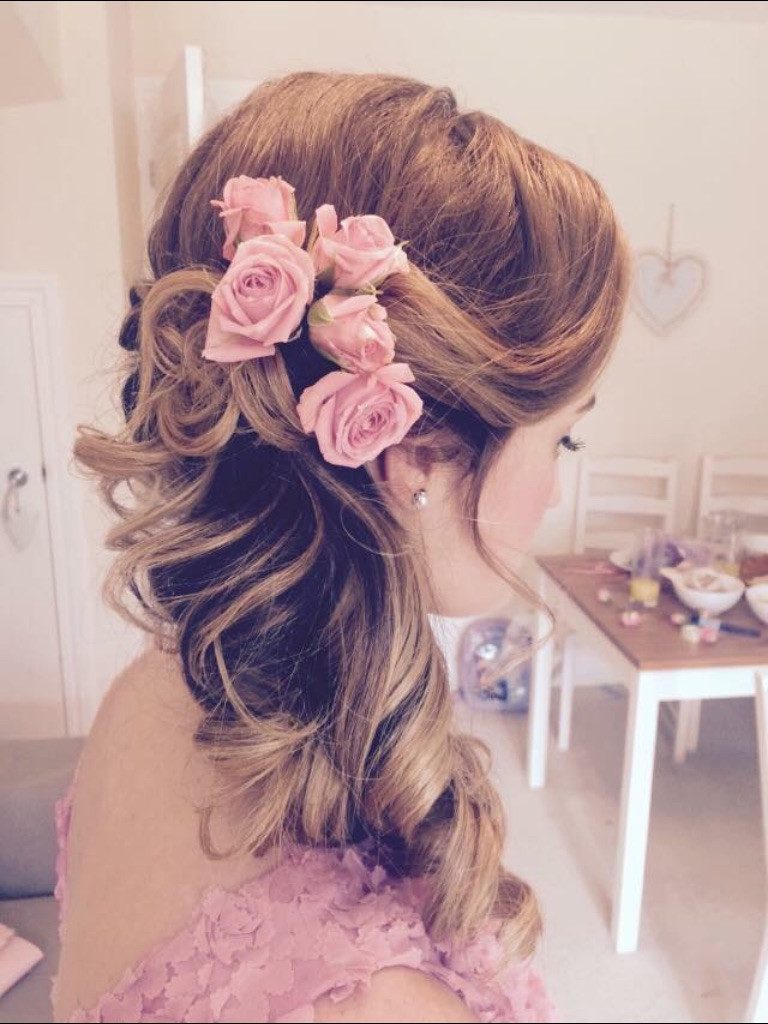 Beautiful side hairstyle with real flowers. Photo taken by myself - Make Me Bridal Artist: Elizabeth Jane Wedding Hair .