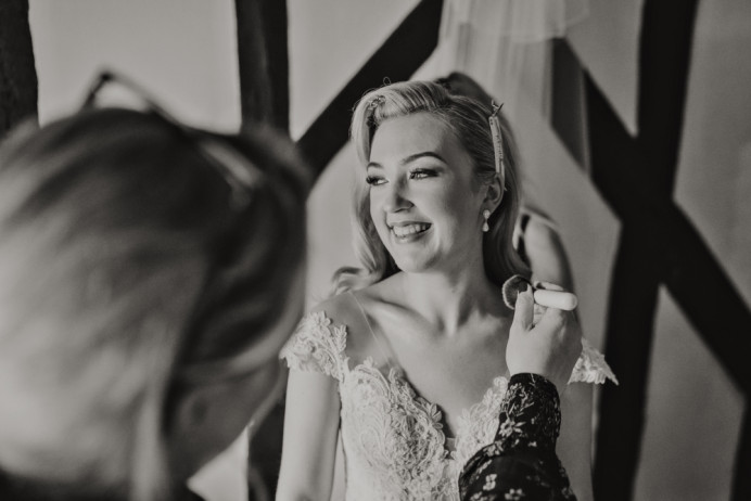 Here's my beautiful bride, Lois who married at the gorgeous Leez priory. - Make Me Bridal Artist: Make-up By Lexi Brownfield. Photography by: Pure Image. #classic #airbrushedmakeup #hollywoodwaves