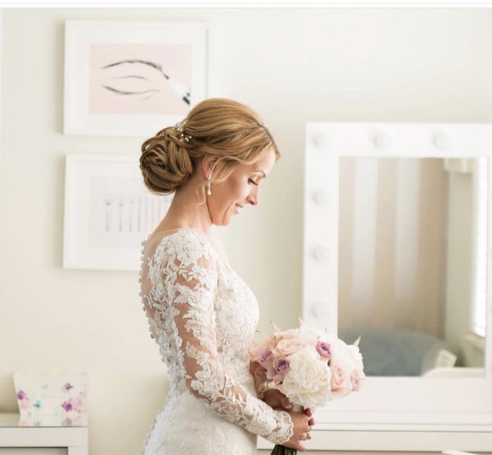 The beautiful Lisa who married at Fennes. - Make Me Bridal Artist: Make-up By Lexi Brownfield. #classic #vintage #lace
