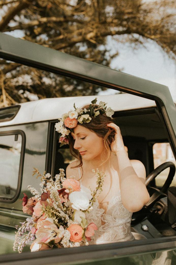 - Make Me Bridal Artist: Hayley Clarke Makeup Artist. Photography by: Darena Stoda. #bohemian #classic #vintage #bridalmakeup #bride #elegantmakeup #glowingskin
