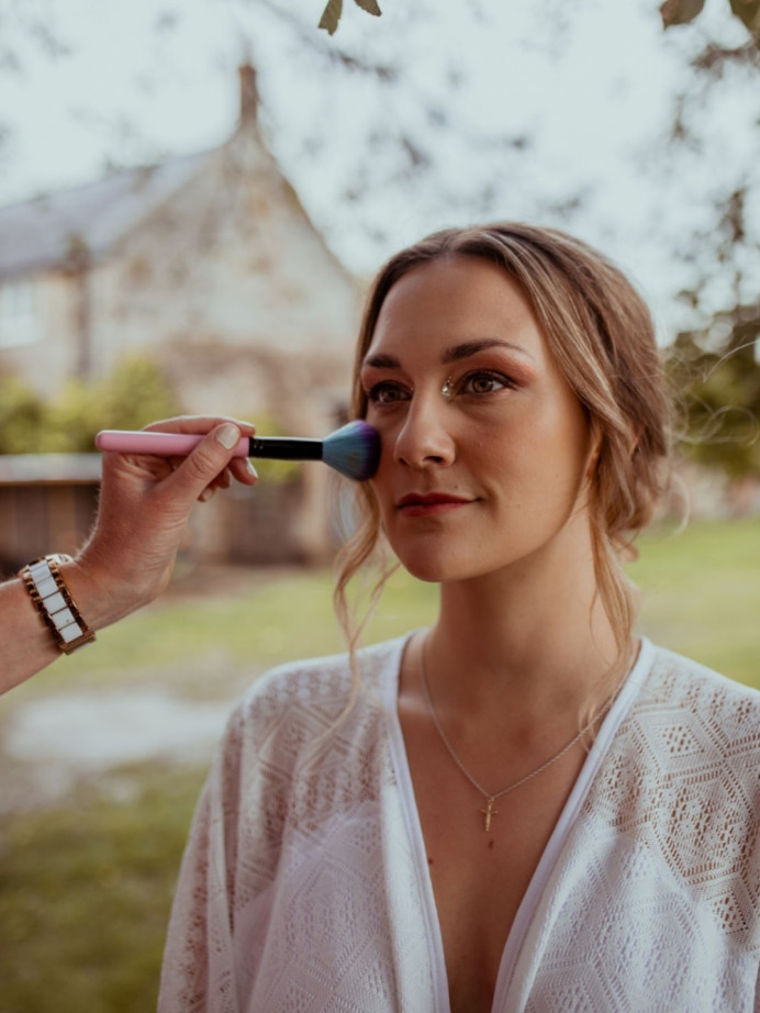 Botanical Themed photoshoot – Elopement – Autumnal tones Makeup look. - Make Me Bridal Artist: Makeup By Lisa Hannah. Photography by: Hannah Sharpe Photography. #bohemian #vintage #bridalmakeup #roselip