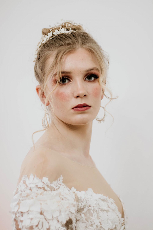 Natural Wedding Makeup - Make Me Bridal Artist: Michelle Cousins Makeup Artist. Photography by: Dorriane Photography. #classic #naturalmakeup #winterweddingmakeup #weddingmakeupessex #weddingmakeupkent