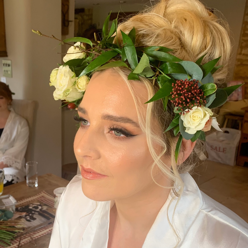 REAL BRIDE.  This absolute stunner opted for a black smoked out large winged liner and Charlotte Tilbury Pillow Talk eyeshadows to give that pink tone. I am in awe of the beautiful flower crown. - Make Me Bridal Artist: Natasha Jane Makeup. Photography by: myself.. #charlottetilbury #bridalmakeupartist #weddingmakeup #makeupartist #naturalweddingmakeup #weddingmua #yorkshireweddingmakeup #yorkshirebridalmakeupartist #bridalmakeupartistdoncaster