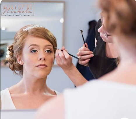 Airbrush makeup by Nichola - Make Me Bridal Artist: Makeup By Nichola. Photography by: Jeff Turnbull. #classic #naturalmakeup #traditionalwedding