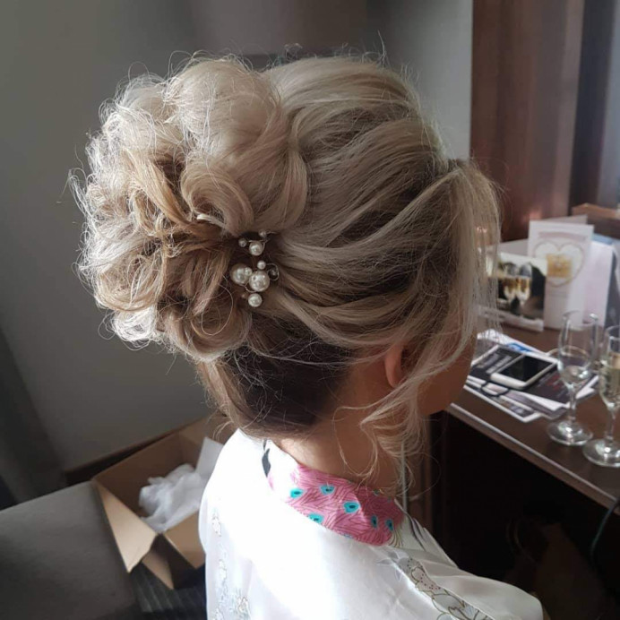 - Make Me Bridal Artist: Hair Creations North West. #hairup #bridesmaidhair #haircreationsnorthwest