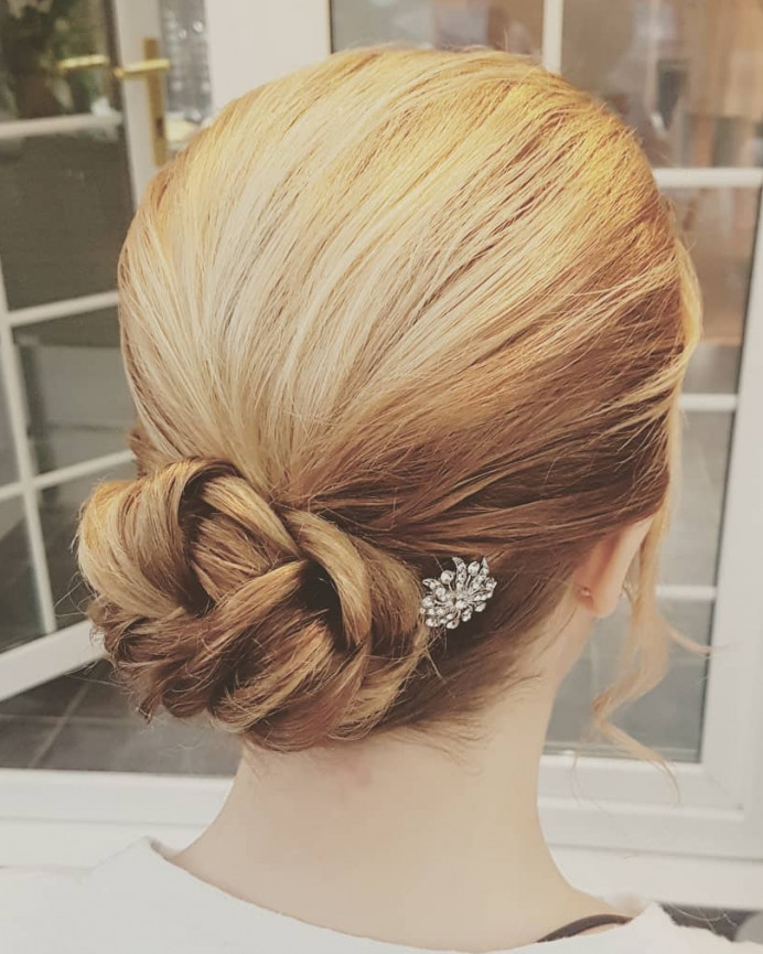 - Make Me Bridal Artist: Hair Creations North West. #hairup #bridesmaidhair #haircreationsnorthwest #freelance