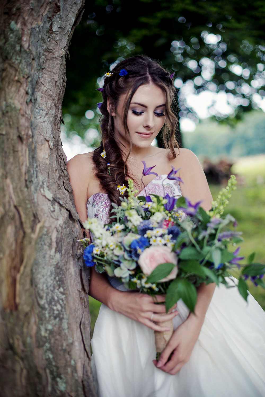 - Make Me Bridal Artist: Catherine Strong Hair & Make-up. Photography by: Jennifer Sinclair. #bohemian #glamorous #naturalmakeup #bridalhair #flowersinherhair #fishtailbraid #weddinghairandmakeup #weddingmakeup #botanicalbride #bridalhairstylist