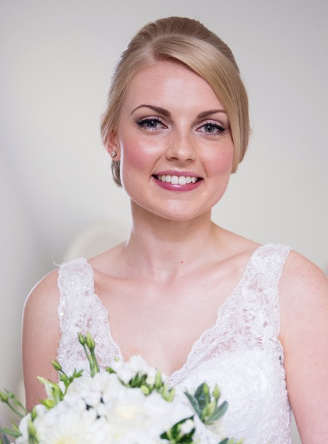 This naturally beautiful young woman wanted a classic wedding look for her hair and make up. The pop of sparkle on the lid lifted the whole make up and I love how radiant she looks. - Make Me Bridal Artist: Jenna West Make Up. Photography by: Sara Reeves. #classic
