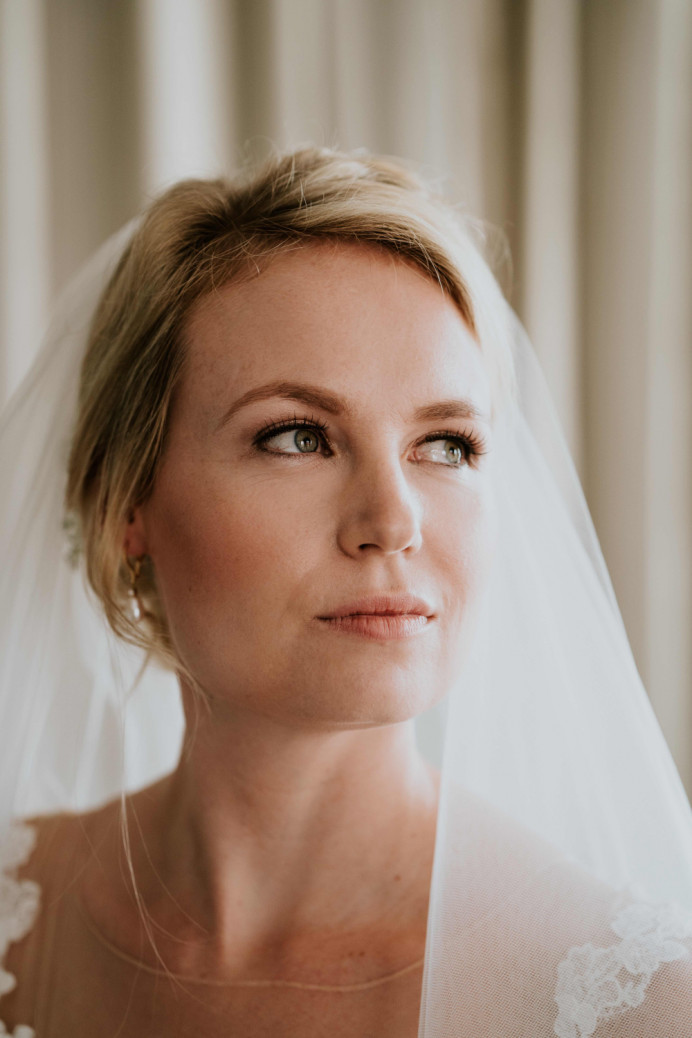 Stunning Bride Sarah getting married at The Grand Hotel in Brighton. Classic elegant look which is natural but impactful. - Make Me Bridal Artist: Jenna West Make Up. Photography by: Hayley Savage. #elegantmakeup #eleganthair #classicmakeup #blondebride