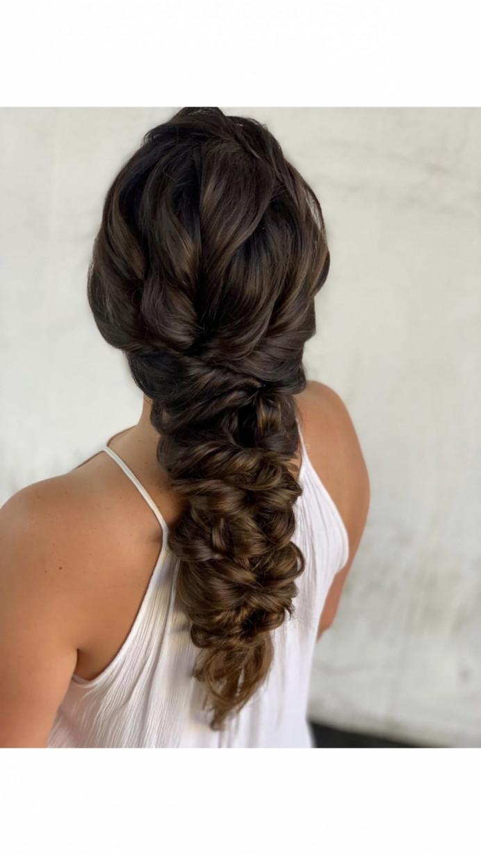 - Make Me Bridal Artist: Caitlin Haughton Hair & Beauty.