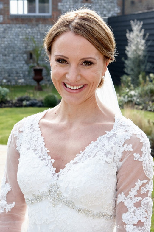 - Make Me Bridal Artist: Arabella Hewitt Make Up Artist. Photography by: Mike Bell. #classic #glamorous #naturalmakeup #bridalmakeup #bridalhair #lashes