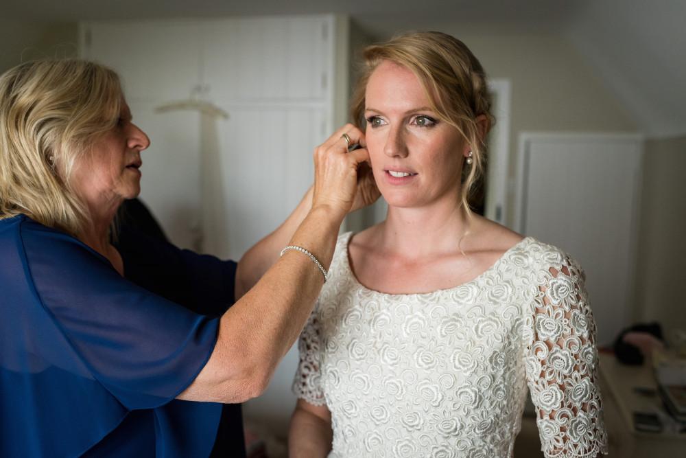 - Make Me Bridal Artist: Arabella Hewitt Make Up Artist. Photography by: Hester Marriott.