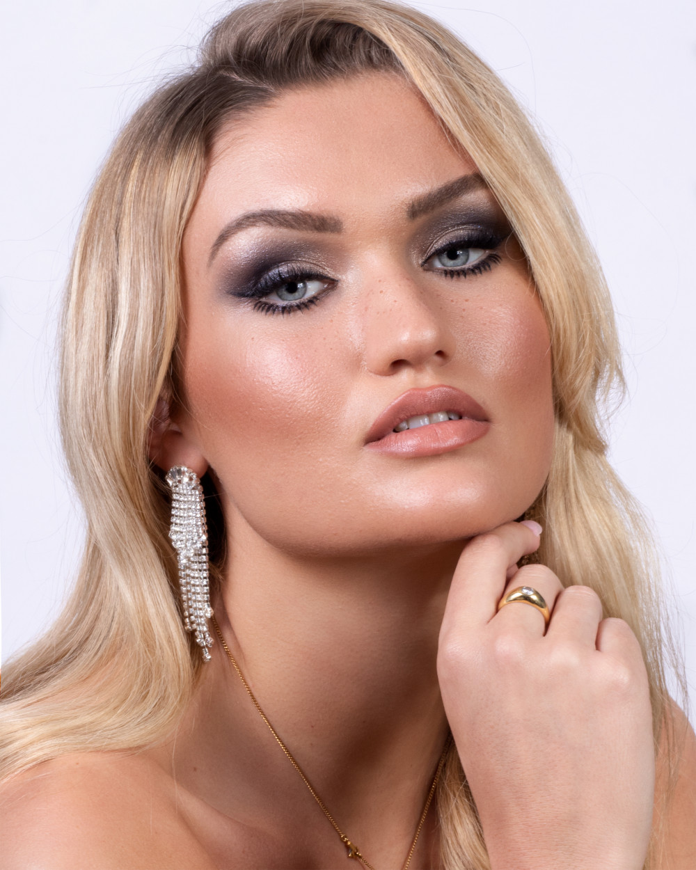 Makeup by me Hair by Cimone  Www.cimonecheveux.co.uk - Make Me Bridal Artist: Rosie Cerosio Makeup. Photography by: Jasmine Boulton. #glamorous #bridalmakeup #smokeyeyes