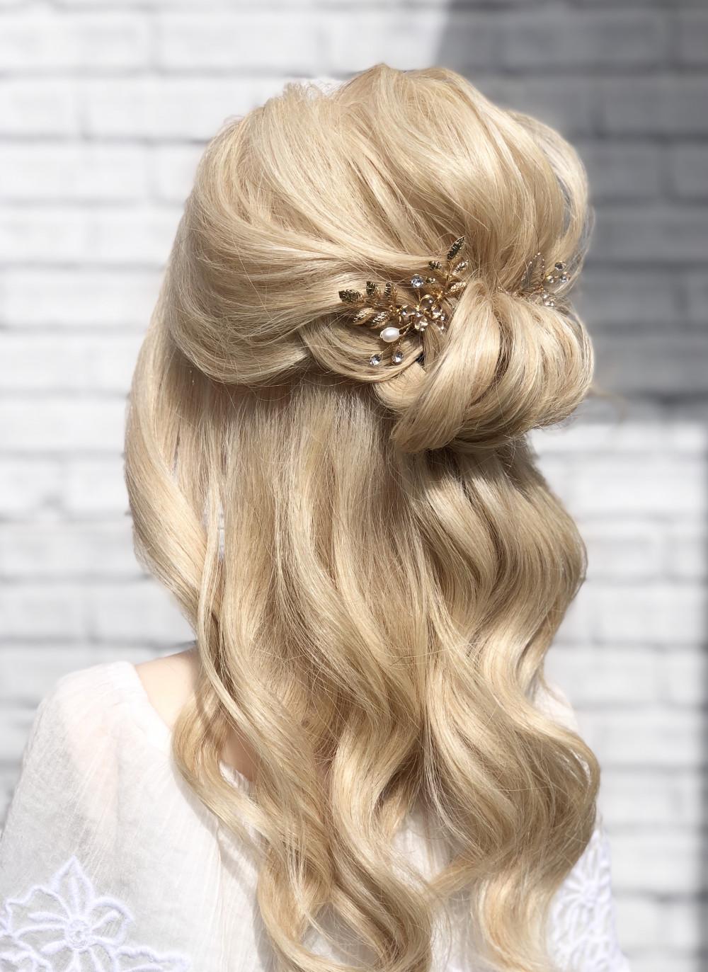 - Make Me Bridal Artist: RDWhair.