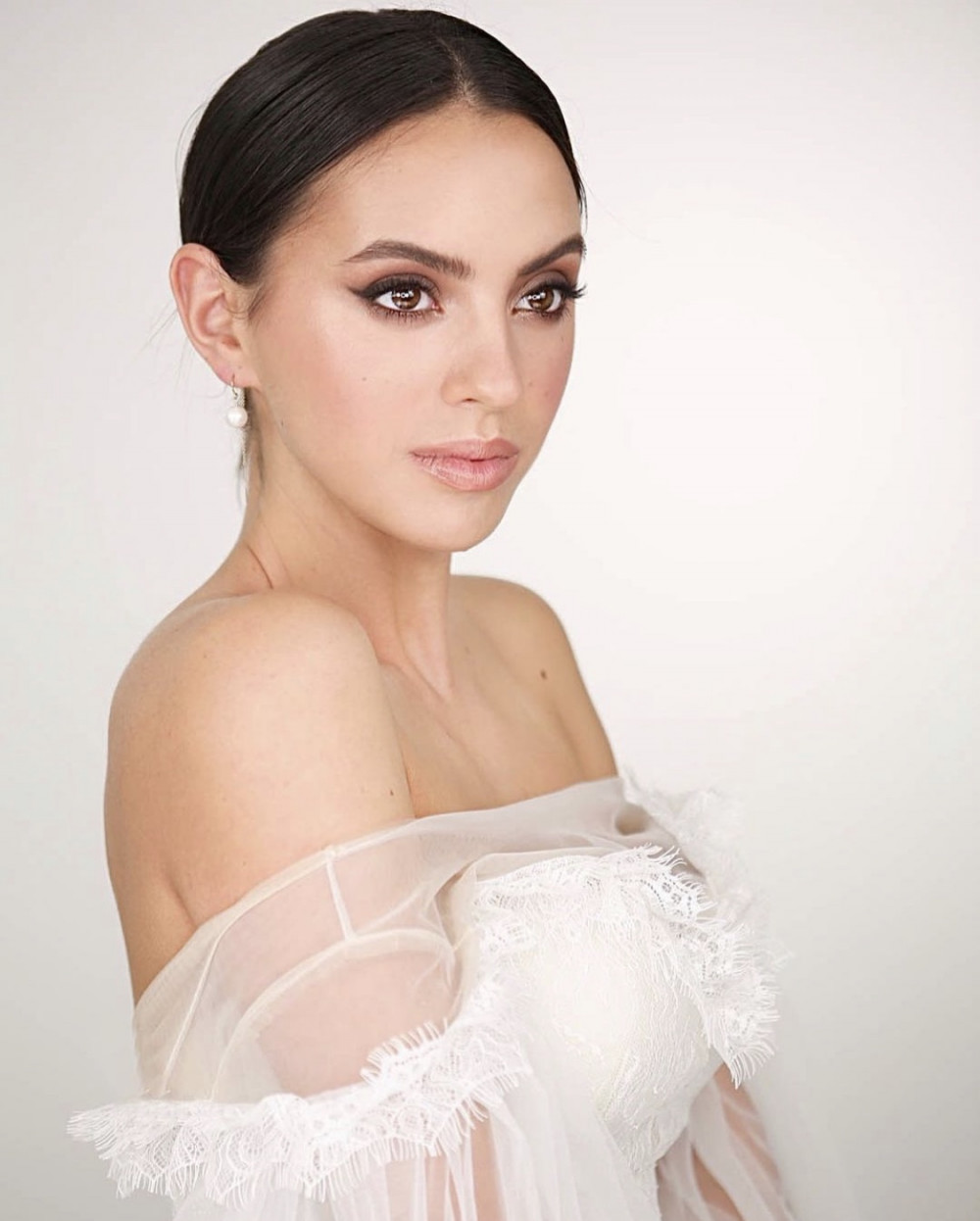 - Make Me Bridal Artist: Amy Goode Make-up Artist. Photography by: Kristina Gasperas. #classic #naturalmakeup #bridalmakeup #eyeliner #nudelip