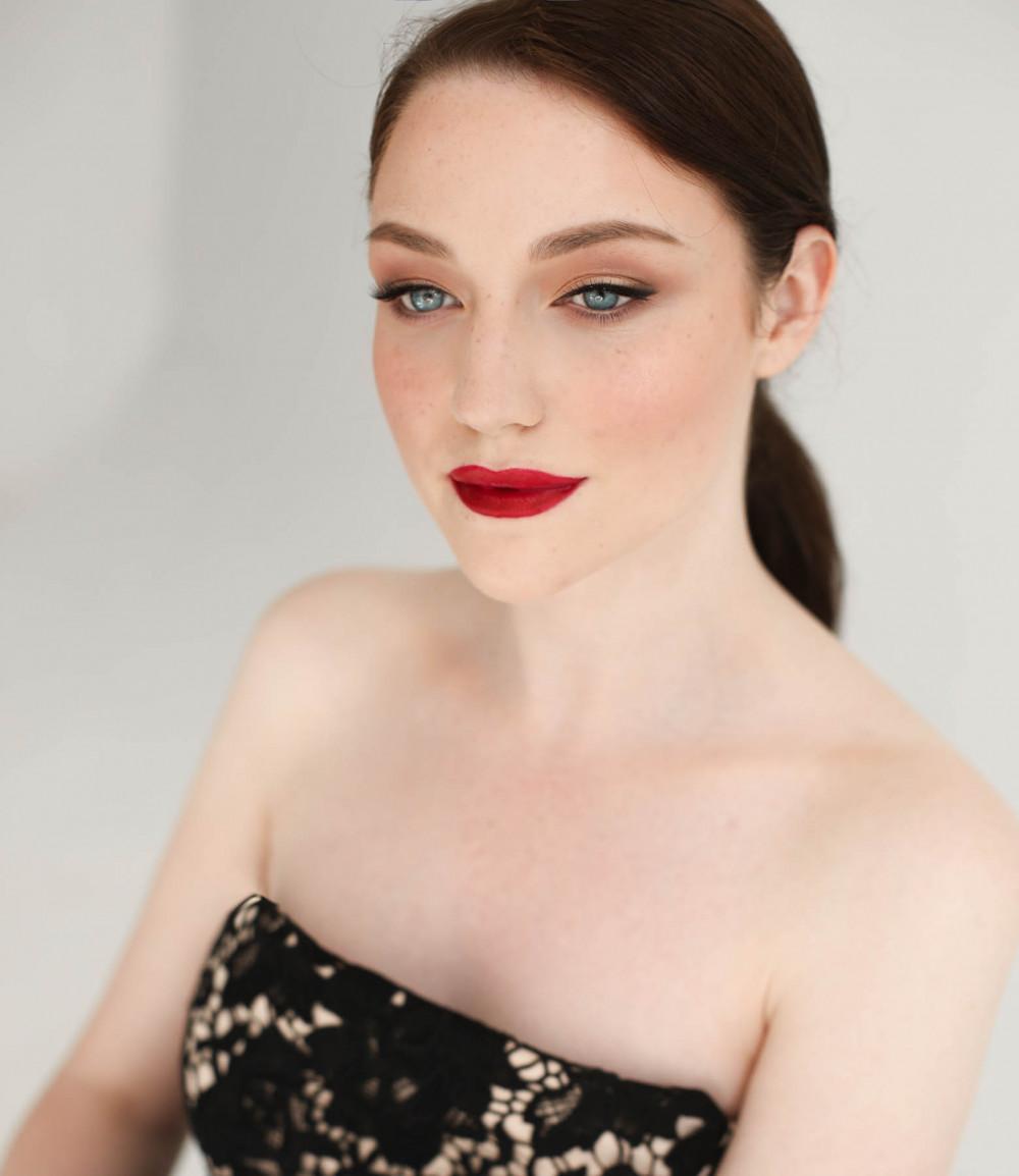 - Make Me Bridal Artist: Amy Goode Make-up Artist. Photography by: Kristina Gasperas. #classic #vintage #naturalmakeup #bridalmakeup #airbrushedmakeup #londonwedding #classicmakeup #hollywoodglamour #redcarpet