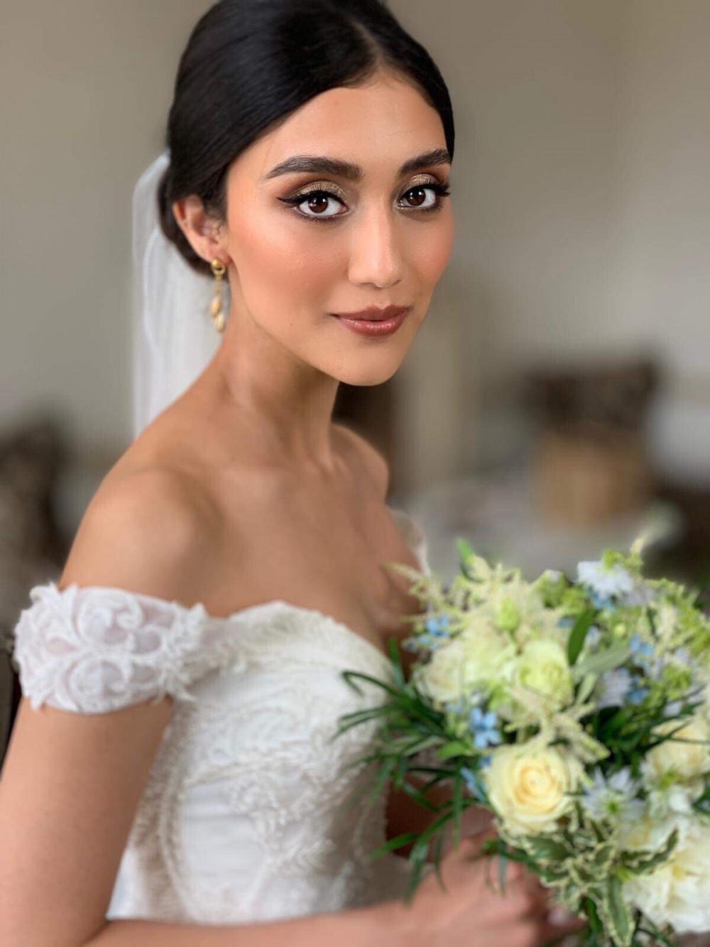 - Make Me Bridal Artist: Amy Goode Make-up Artist. Photography by: Amy Goode (me). #glamorous #naturalmakeup #bridalmakeup #smokeyeyes #motherofthebridal #eyeliner #dewyskin #londonwedding #flickliner
