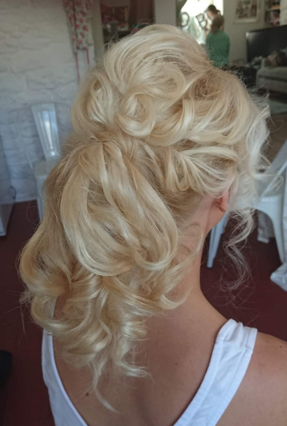 - Make Me Bridal Artist: Beautystyle. Photography by: My own image. #bohemian #bridalhair #bridalhairstylist #bohobride #relaxedhairup #ponytail