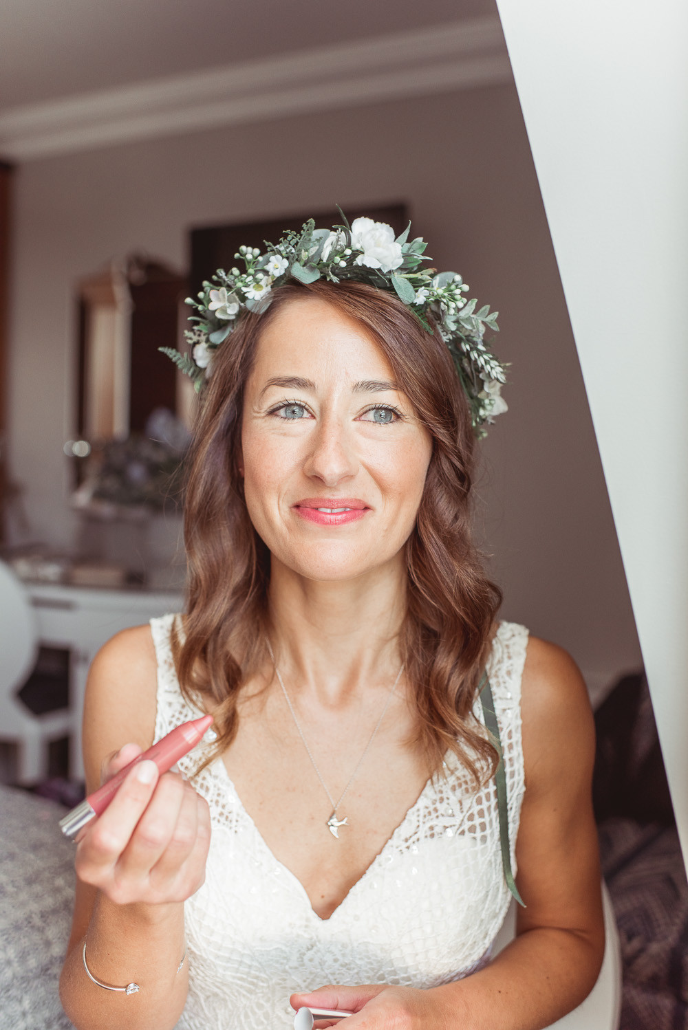 Christchurch Harbour Hotel - Make Me Bridal Artist: Timeless Beauty by Louise. #classic #flowercrown #naturalmakeup #weddingmorning #bridalmakeup