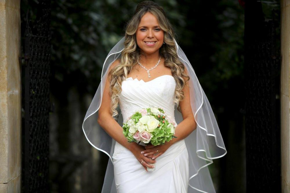 The Italian Villa - Make Me Bridal Artist: Timeless Beauty by Louise. #soft #goldeyeshadow #tousled #charlottetilbury #dorset