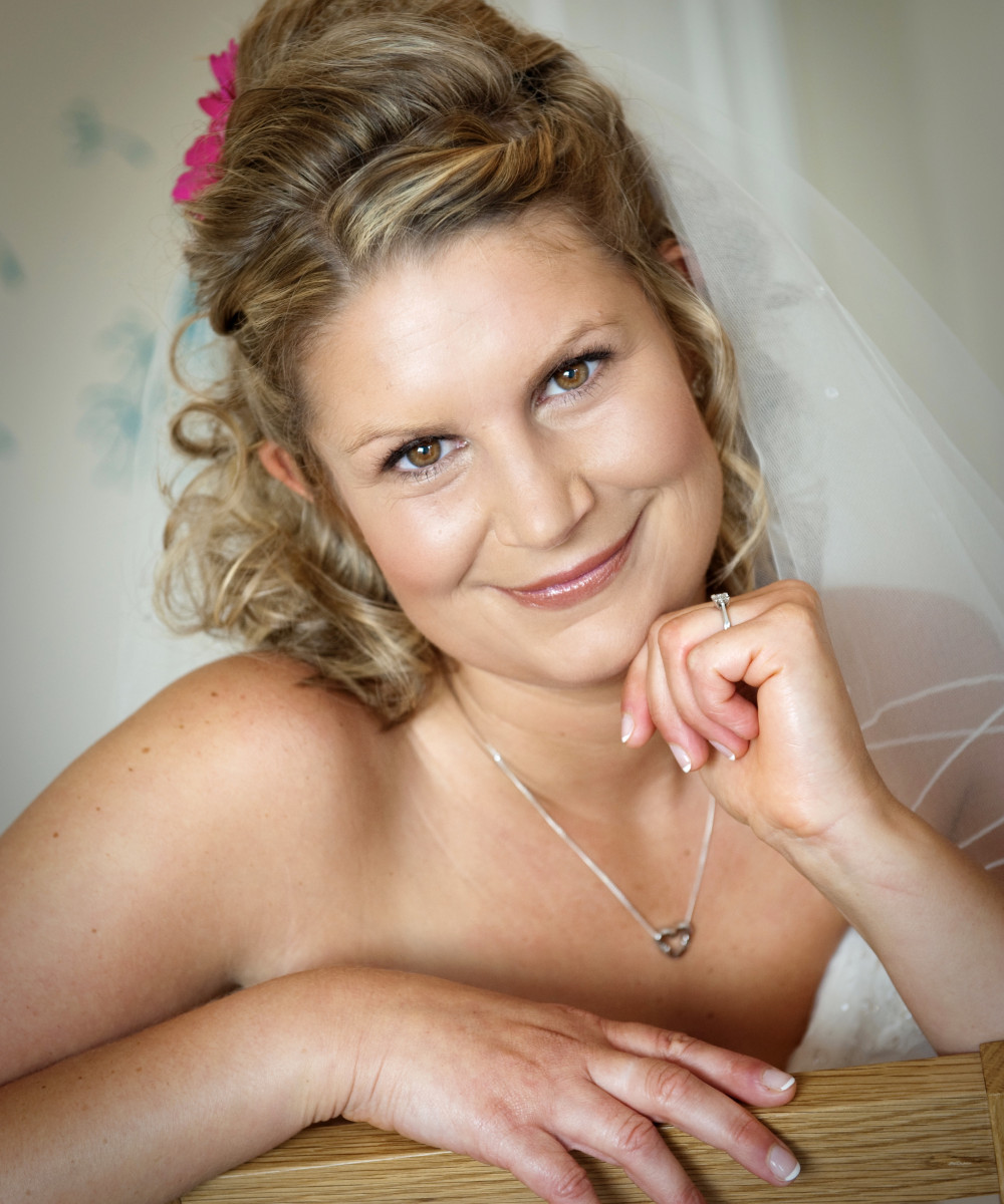 - Make Me Bridal Artist: Timeless Beauty by Louise. #classic #naturalmakeup #weddingmorning #bridalmakeup #glow