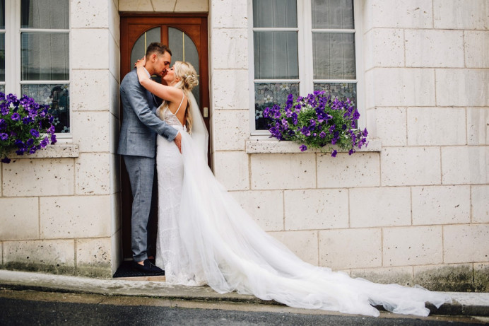 Leah with her new husband in Château Mas de Montet - Make Me Bridal Artist: Butterfly Hair & Makeup. Photography by: Roostain Photo. #glamorous #boho