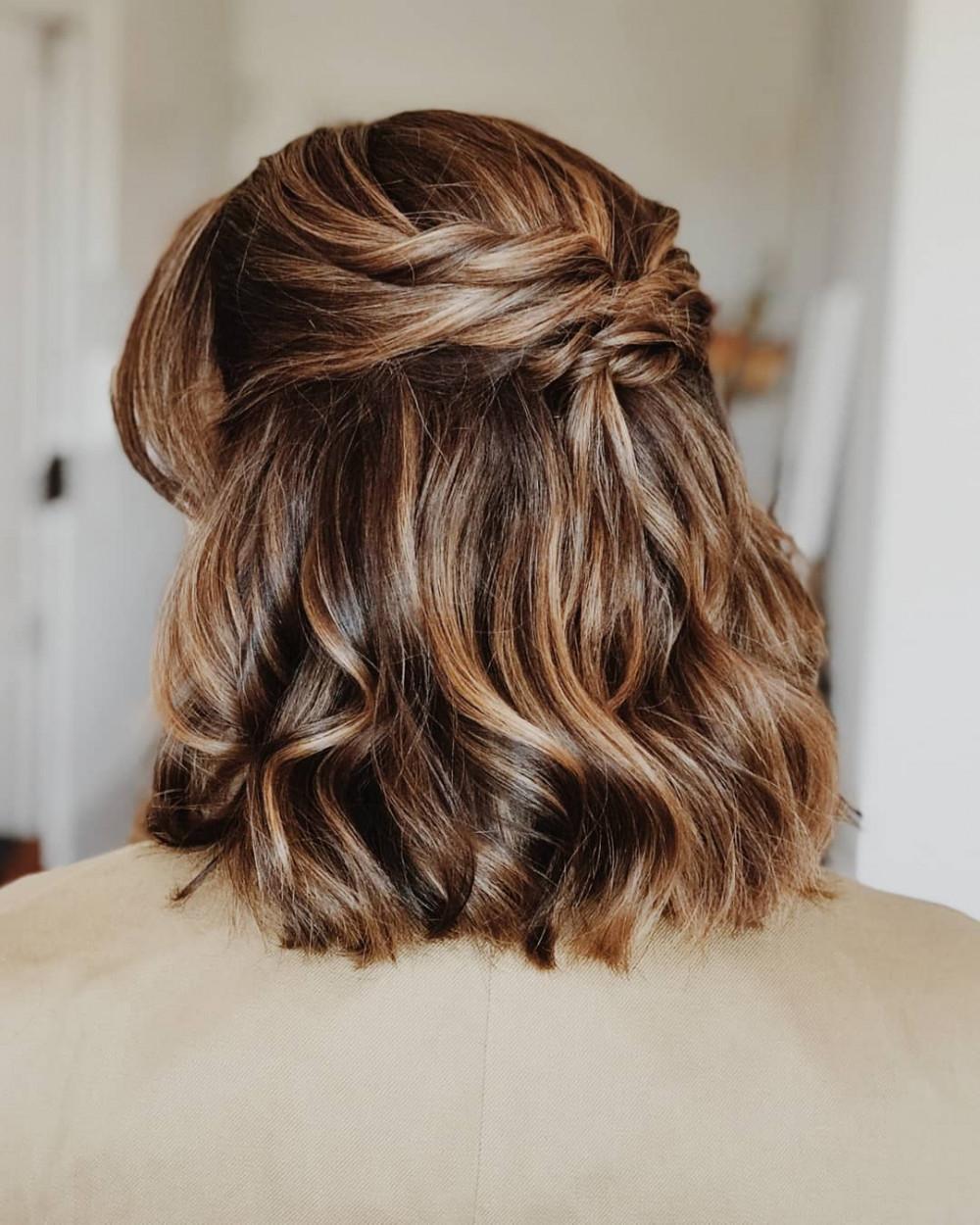 Bridesmaid Rita - Make Me Bridal Artist: let's hair. #weddinghair #hairup #bridesmaid #weddingguests #bridesmaidhair #natural #loosehairup #relaxedhairup #halfuphair #bridesmaidshair #halfuphalfdown #loosewaves #naturallook #effortlesshair #twistedupdo #halfup