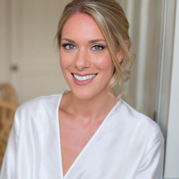- Make Me Bridal Artist: Sylwia Kunysz Makeup Artist. #glowingskin #classicmakeup #englishrose #crueltyfreebride #veganmakeup #organicmakeup #organicbeauty