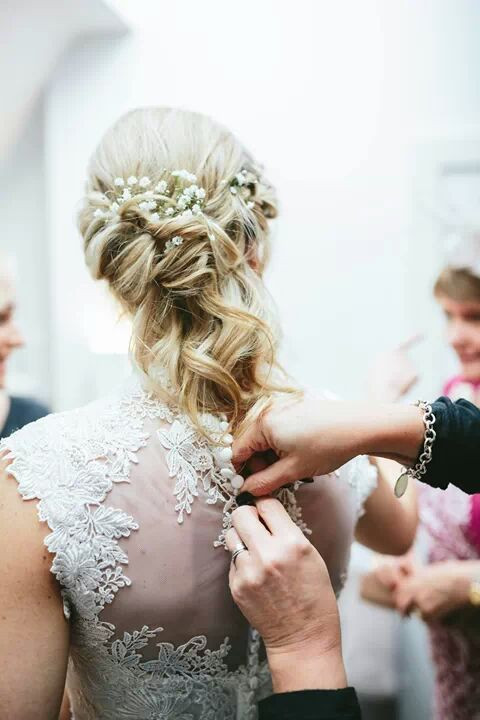 We created a relaxed half up side style for this bride with detail but also keeping it natural and beachy. The flowers really complimented this style. - Make Me Bridal Artist: Lucy Elliot hair and make up artist. Photography by: n/a. #classic #bridalhair #flowersinherhair #updo #waves #beautiful #naturalbridal #boho #blonde #gypsophila #longhair #naturalhair