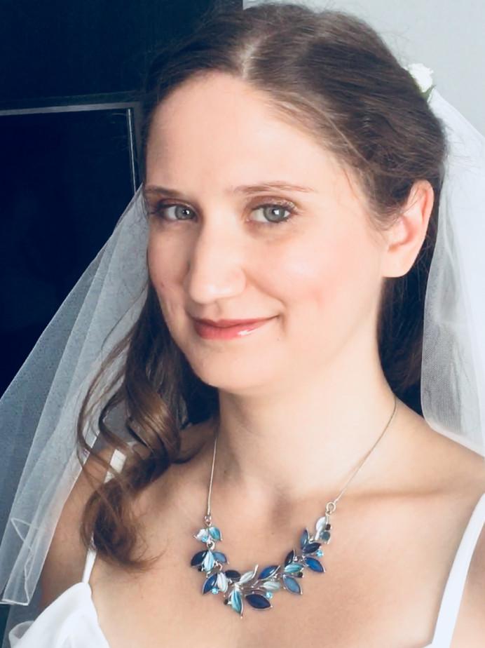 - Make Me Bridal Artist: Emma Olliff . #naturalmakeup #flowersinherhair #bohobride #bohowedding #festivalwedding