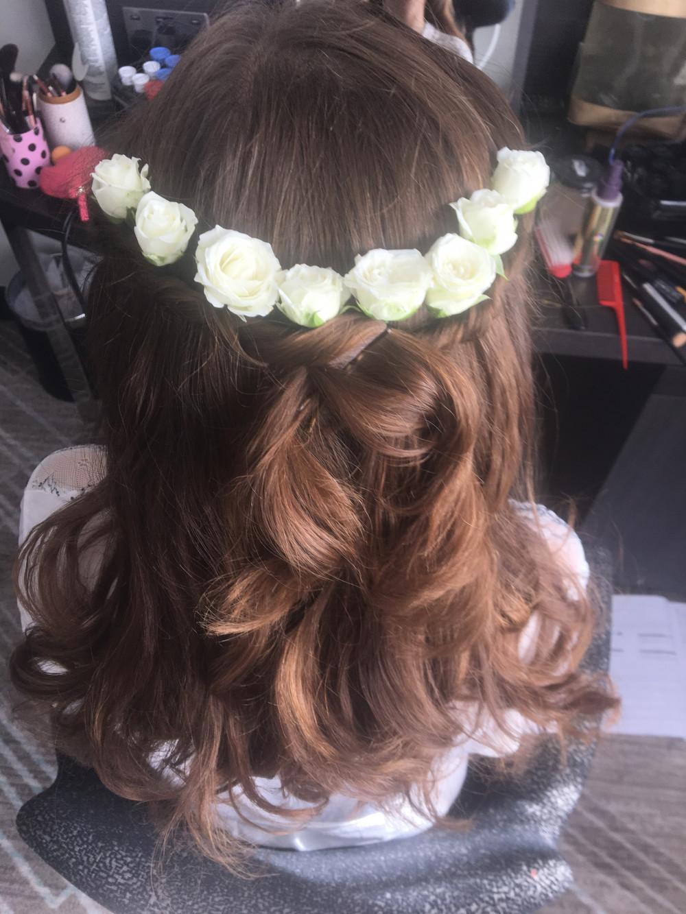 - Make Me Bridal Artist: Emma Olliff . #naturalmakeup #flowersinherhair #bohomakeup #boho #festivalwedding #bohemian
