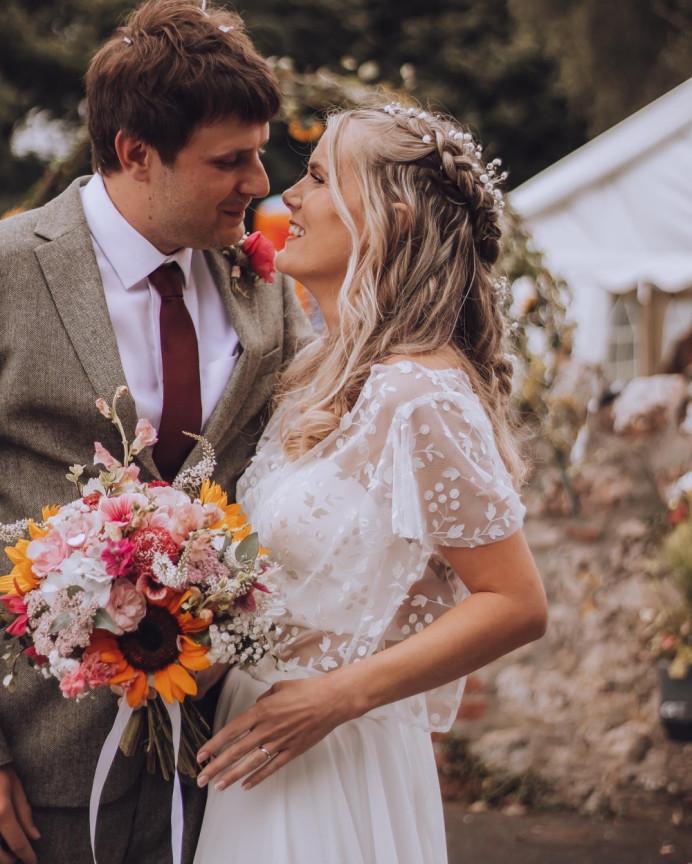 Natural makeup for a boho bride - Make Me Bridal Artist: Stephanie Graham Vegan & Cruelty-Free Makeup Artist. #bohemian #boho #naturalmakeup #bridalmakeup #bohobride #individuallashes